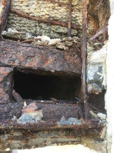 ベランダ雨漏り施工中